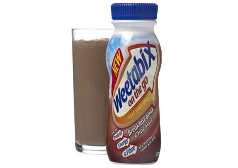 Chil Go Milk Strawberry 6x140ml weetabix on the go breakfast drink