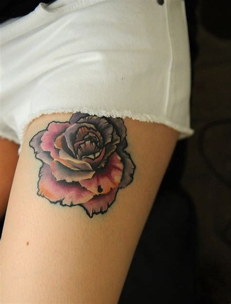 tattoo flowers on thigh pretty flower tattoo on thigh for college girls