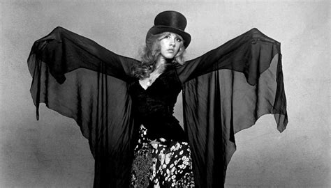 gold dust the biography of stevie nicks books stephen davis author of gold dust the biography of
