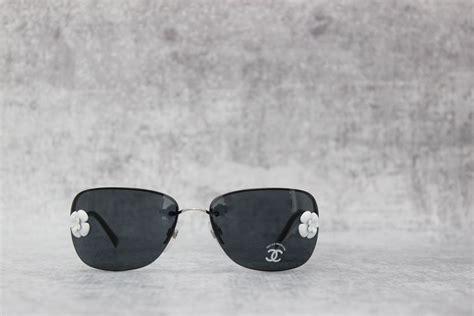 Sunglass Chanel 2 chanel camellia sunglasses 4135