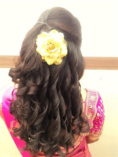 Hairstyles For Curly Hair For Indian Wedding by Best Indian Wedding Hairstyles For Brides 2016 2017