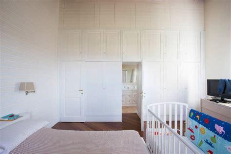 grande armadio grande armadio con porte grande armadio legnoeoltre