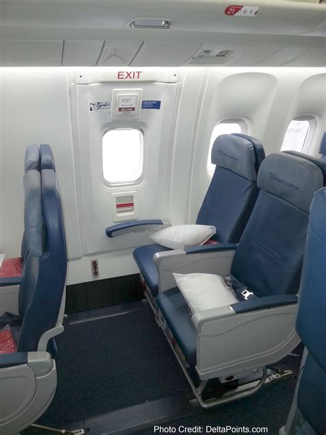 is delta economy comfort worth it on international flights delta 767 300 economy comfort seats delta points blog