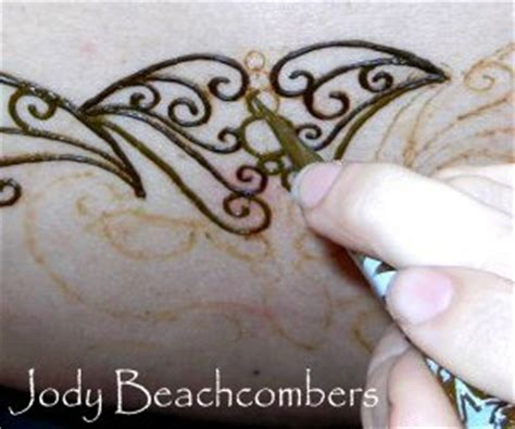 henna tattoo how to apply learn how to do henna tattoos henna pinterest bottle