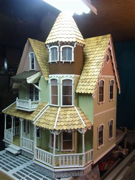 pre built wooden garfield dollhouse  scale lots  extra