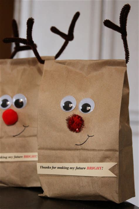 Reindeer Paper Bag Craft - reindeer wrap and an easy gift for teachers a