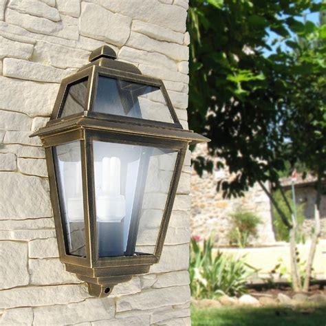 lanterne per esterni da giardino artemide mezza lanterna a parete quadrata classica