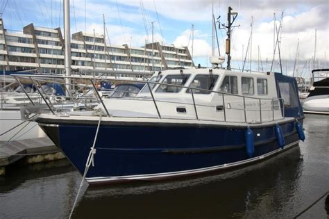 motor boats for sale plymouth plymouth pilot 24 brick7 boats