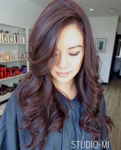 age beautiful hair color light raspberry brown it s all the rage mahogany hair color