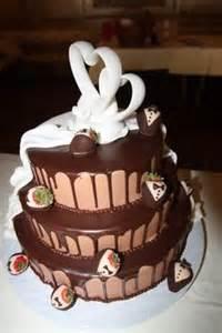 hochzeitstorte fã llung hochzeitstorte in wei 223 und rosa der konditorei kr 246 nner garmisch wedding cake ideas