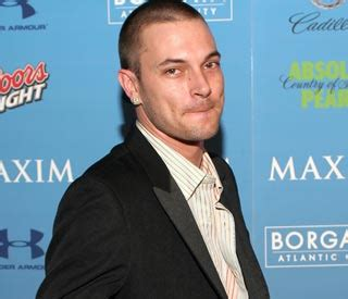 Kevin Federline Lands An Actual by Noticias Hola