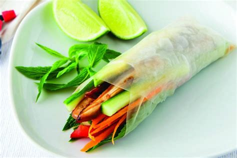 Rice Paper Rolls In Advance - 7 healthy handheld recipes for a picnic