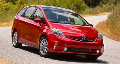 Toyota Prius Plus 7 Seater Review Toyota S 7 Seater Prius Mpv To Launch In The Uk In July