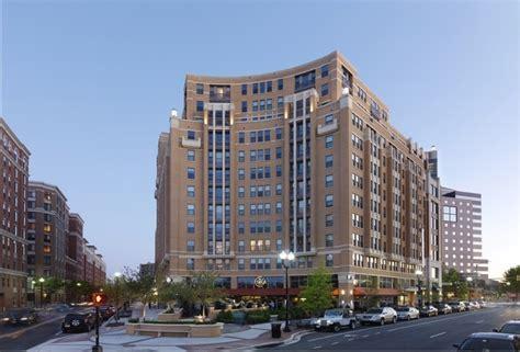 3 bedroom apartments arlington va lyon place at clarendon center rentals arlington va