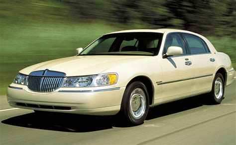 is lincoln american made cheap luxury and car lincoln town car 2003 2011