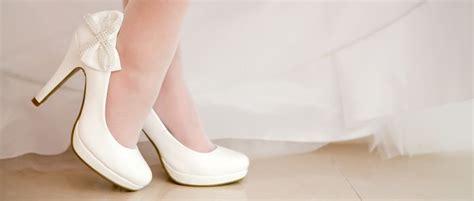 weiße brautschuhe mit riemchen brautschuhe welche hochzeitsschuhe passen zum brautkleid