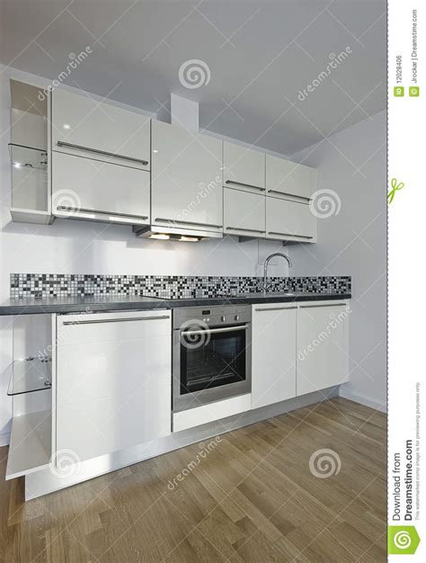 Mosaico Cucina Moderna by Cucina Moderna Nel Bianco Immagine Stock Libera Da Diritti
