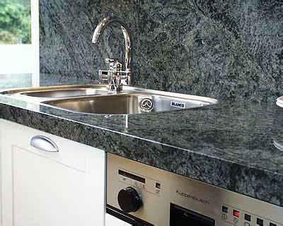 küchenarbeitsplatte naturstein k 252 che stein r 252 ckwand