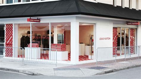 supreme shop pop up shops di supreme x louis vuitton xlifestyle