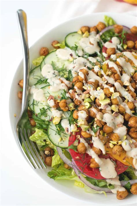 Salat Knowledge roasted chickpea salad with hummus dressing delicious