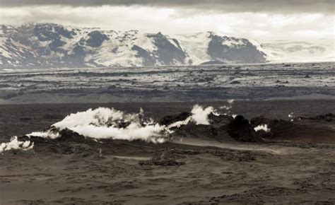 s largest lava l photos of the holuhraun lava filed fissure and craters