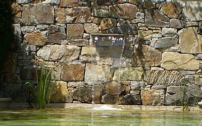 steinmauer mit wasserfall 3682 steinmauer mit wasserfall garten steinmauer wasserfall