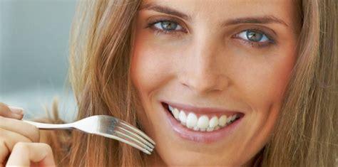 alimenti contro le rughe combattere le rughe mangiando wellness farm