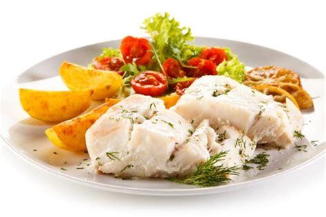 come cucinare il nasello fresco il merluzzo fresco nasello merluzzetto o pesce asinello