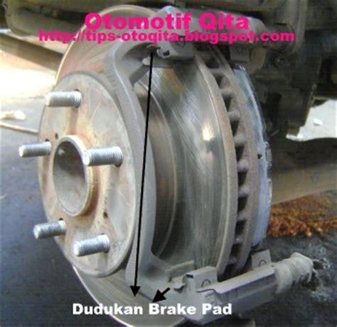 Brembo Brake Pad Kas Rem Isuzu Panther Panther Kotak Depan cara mengganti kas rem cakram mobil atau brake pad depan otomotrip