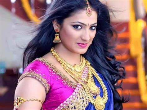 kannada film actress ramya age haripriya to play lead in dil ka raja replaces actress