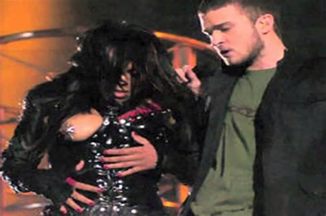 Janet Jackson Wardrobe by When Live Tv Goes Horribly Wrong The Worst On Screen Wardrobe Of All Time Cetusnews