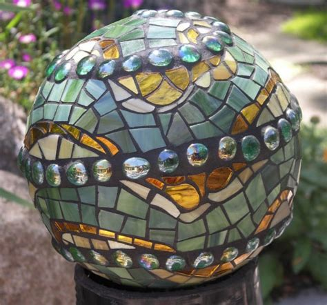 Recycle Bowling Balls Into Mosaic Garden Art Diy For Life Mosaic Garden Ideas