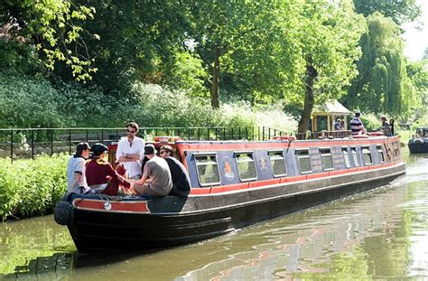 boat sales birmingham uk uk canal boat holidays all aboard for a jaunt around