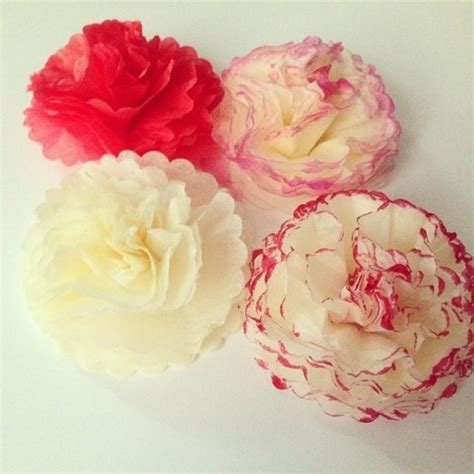 How Make Flowers With Tissue Paper - how to make tissue paper flowers