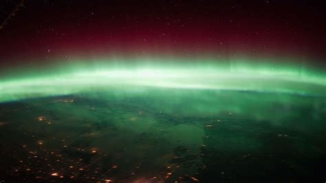 wallpaper 4k hd android aurora borealis over canada view from international space
