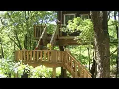 Treehouse Cabins Illinois by Timber Ridge Outpost Cabins A Treehouse Log Cabin