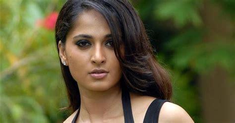 memek ciut anushka nude south indian actress boob