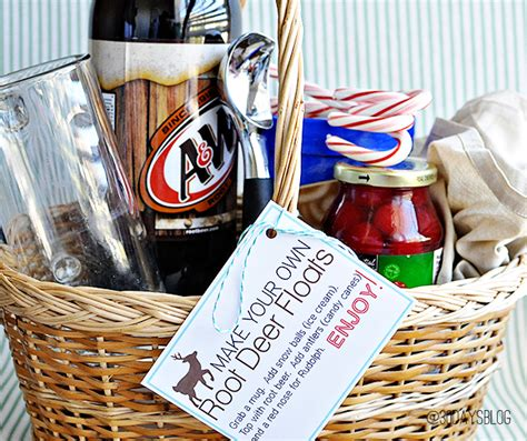 diy gift basket ideas for everyone on your list easy diy holiday gift baskets for everyone on your nice list