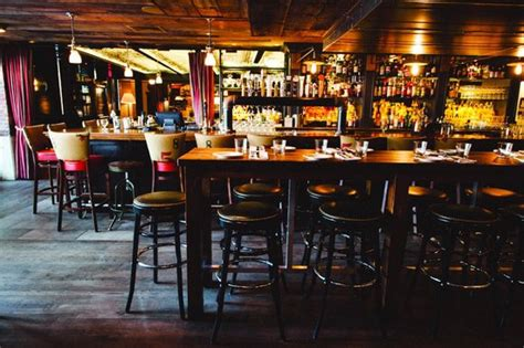 hi tops bar chicago chicago hi tops cafe with photo via the den picture of park restaurant and bar cambridge