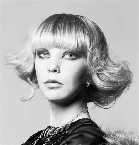 retro hairstyles for long straight hair bob with retro wavy sides straight bangs for a long face