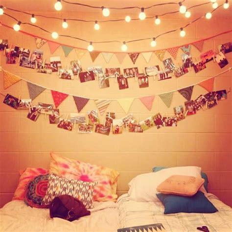 decorar paredes con fotos y luces las 25 mejores ideas sobre luces de navidad de dormitorio