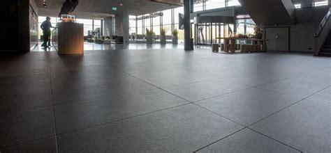 posa piastrelle pavimento pavimenti con posa a secco