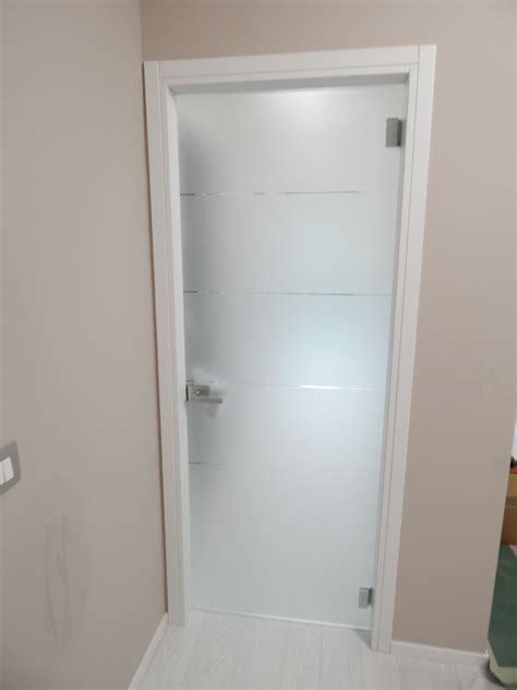 porta vetro battente porta tuttovetro a battente realizzazione porte