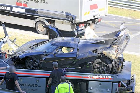 koenigsegg crash koenigsegg one 1 crashes at the nurburgring during testing