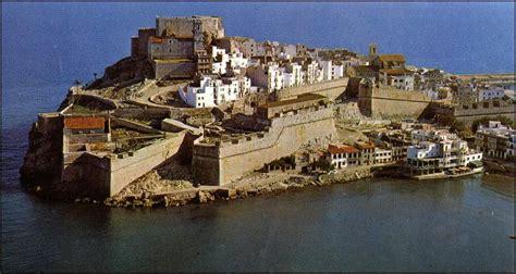 casas del castillo pe iscola visita casco antiguo pe 241 237 scola casas rurales con encanto
