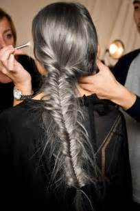 looking for black hair braid styles for grey hair tendance les cheveux gris sont in