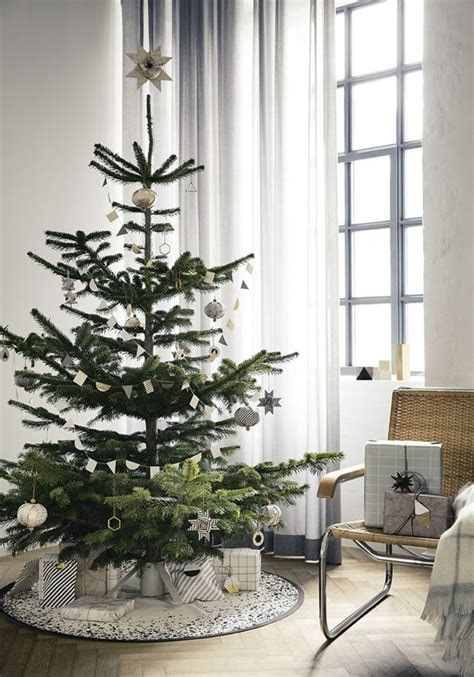 scandinavian inspired christmas tree with minimalist design