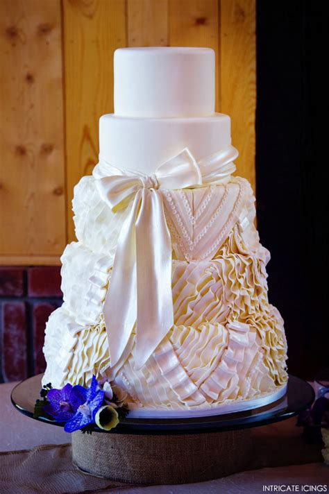 dress cake from ruffled dress to cake