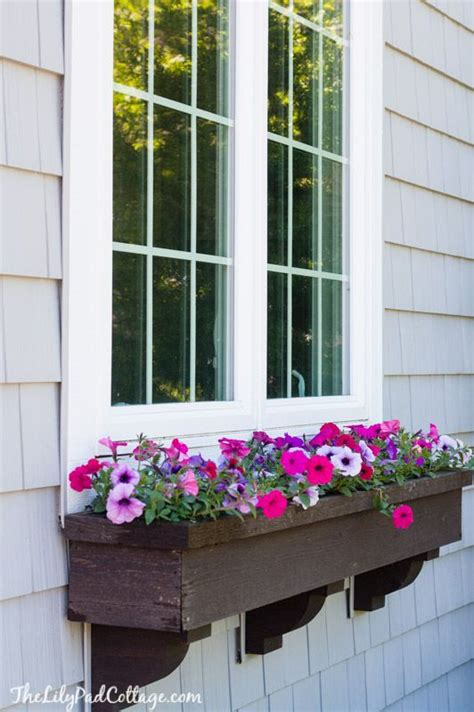 window flower box 25 best ideas about window box brackets on