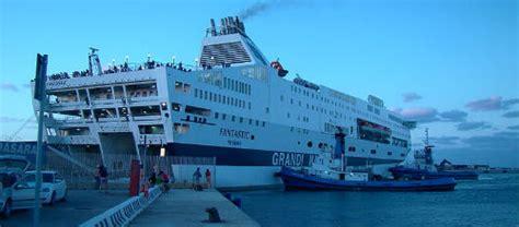 genova porto torres traghetto grandi navi veloci come arrivare porto torres italiano